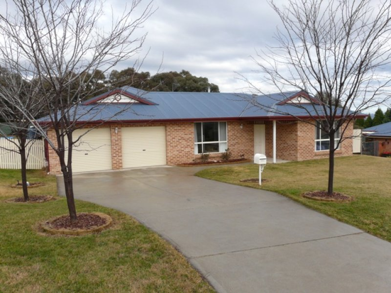 11 Sapphire Cresent, Kelso, NSW 2795