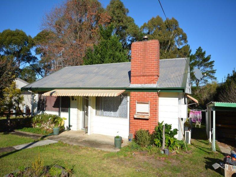 14 Hoyer Street, Cobargo, NSW 2550
