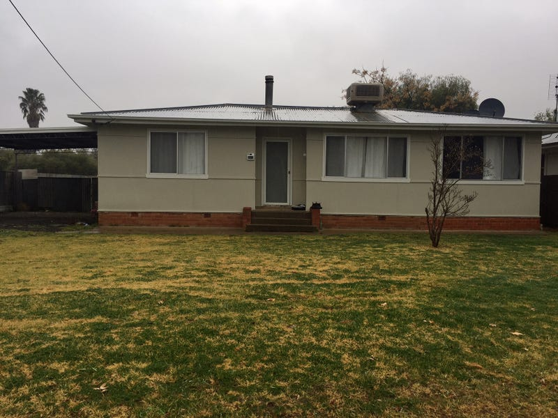 454 Macauley, Hay, NSW 2711