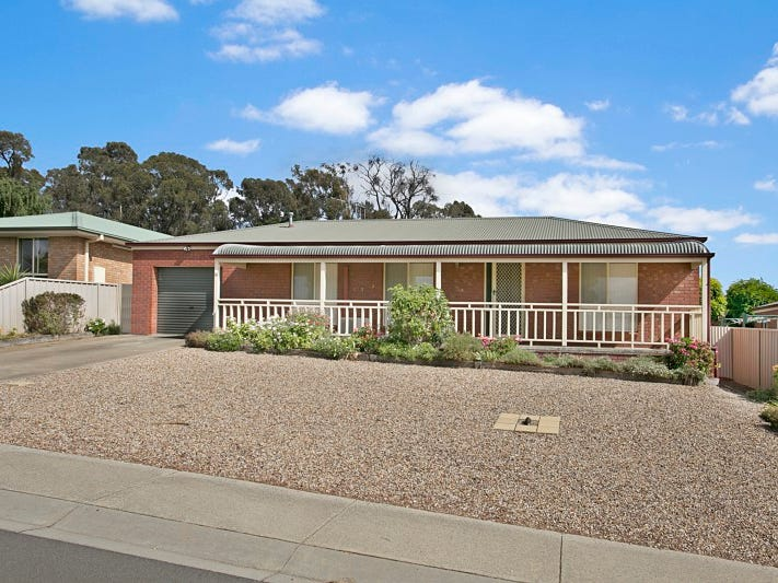 31 Lukin Crescent, Kangaroo Flat, Vic 3555