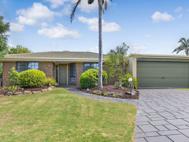 4 Koomooloo Crescent, Hallett Cove, SA 5158
