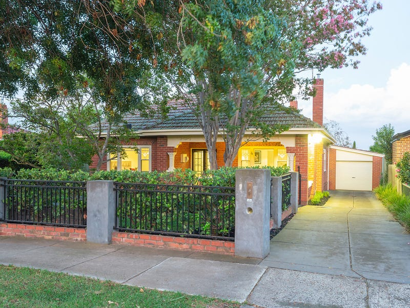 4 Collegian Avenue Strathmore Vic 3041 Property Details