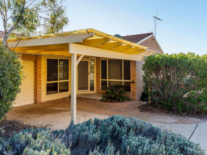17/11 Derrington Crescent, Bonython, ACT 2905