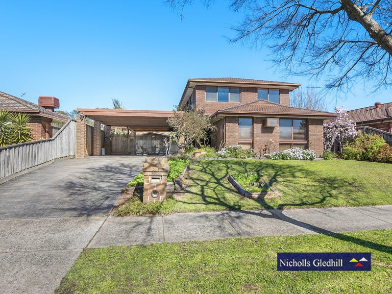 32 HEATHERLEA CRESCENT, Narre Warren, Vic 3805