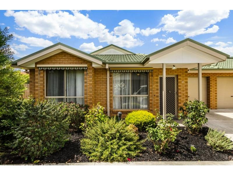 Unit 17/207-209 Wantirna Road, Ringwood, Vic 3134