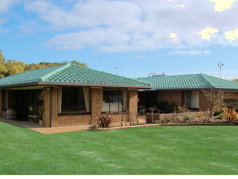 8817 Southern Ports Highway, Beachport