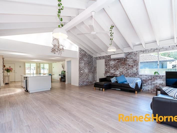 6 Crystal Street, Forresters Beach, NSW 2260