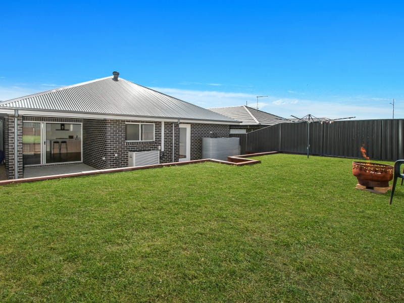 5 Crystal Avenue, Horsley, NSW 2530