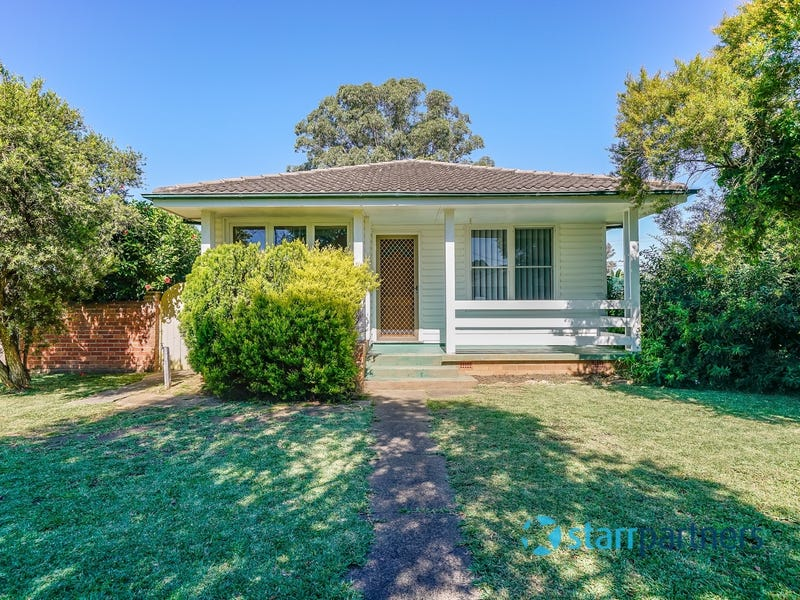 13 Yampi Place, Cartwright, NSW 2168