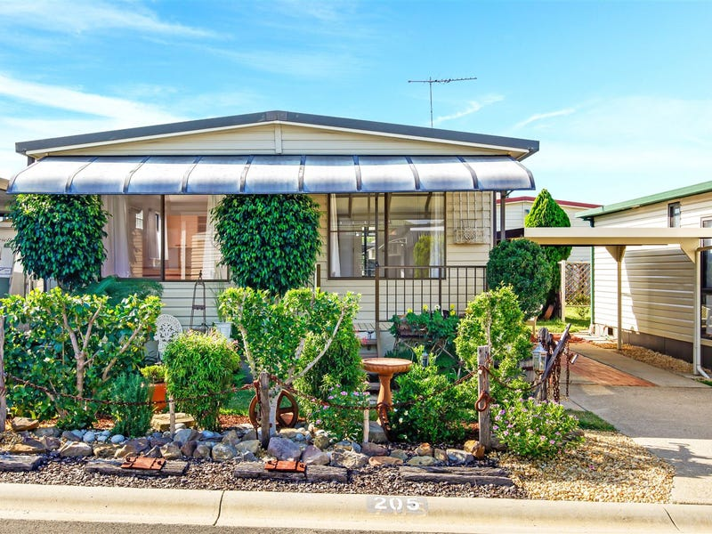 205 30 majestic drive stanhope gardens nsw 2768 retirement living for sale 127861594 for Stanhope swimming pool opening hours