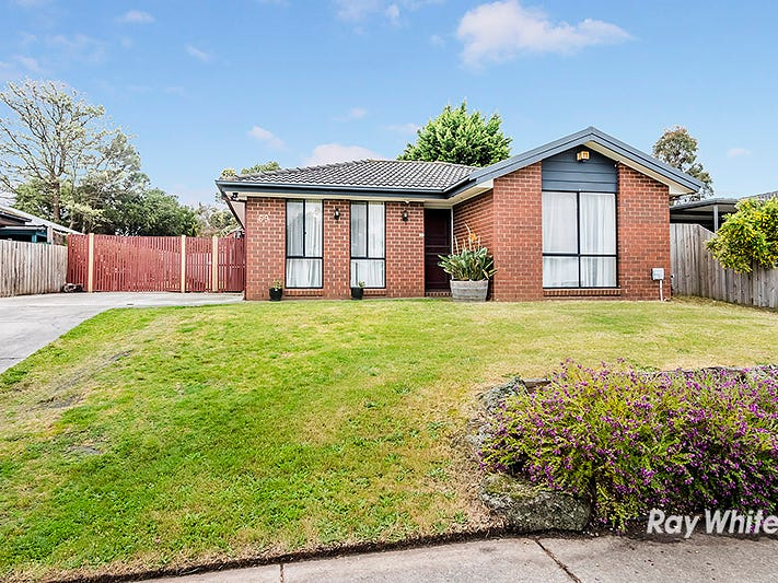 69 Courtenay Ave, Cranbourne North, Vic 3977