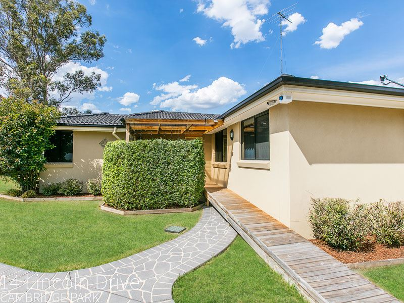 14 Lincoln Drive, Cambridge Park, NSW 2747