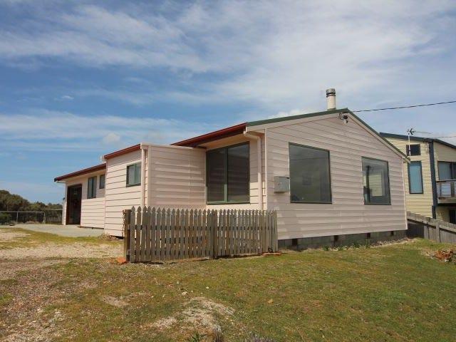 106 Main Road, Musselroe Bay, Tas 7264