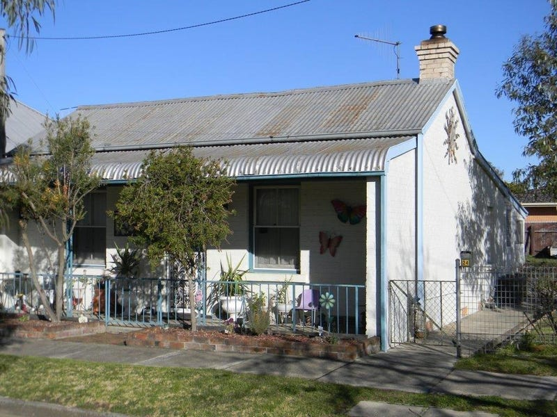 24  CHANTRY STREET, Goulburn, NSW 2580