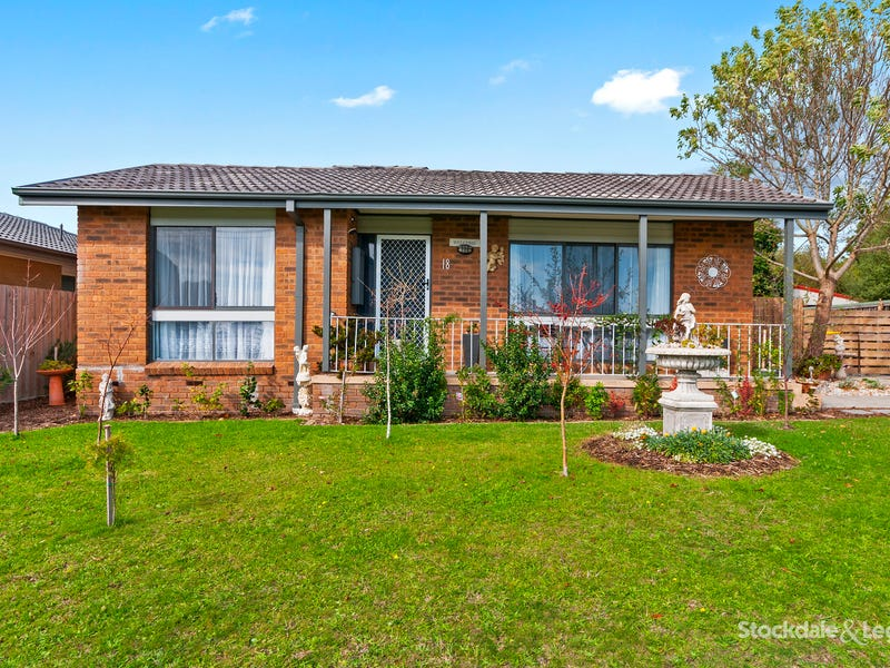 18 Churinga Drive, Churchill, Vic 3842