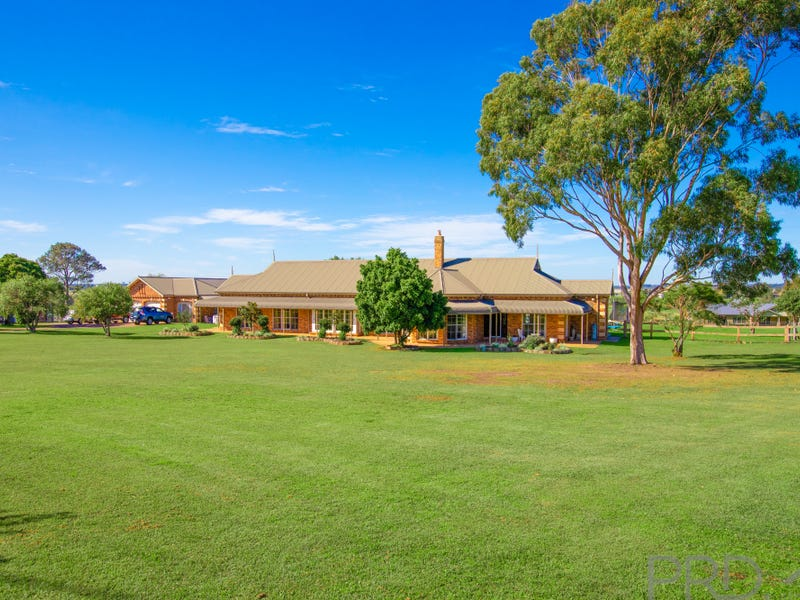 7 Walter Parade, Black Hill, NSW 2322