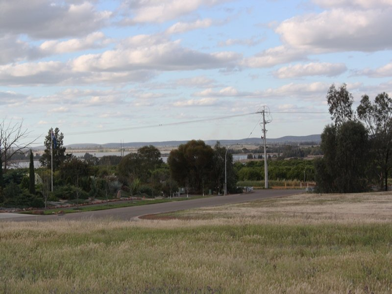 1 Bella Vista Drive, Lake Wyangan, NSW 2680