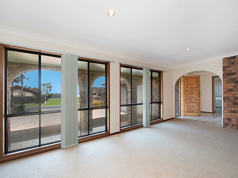 5 Seafarer Place, Banora Point, NSW 2486