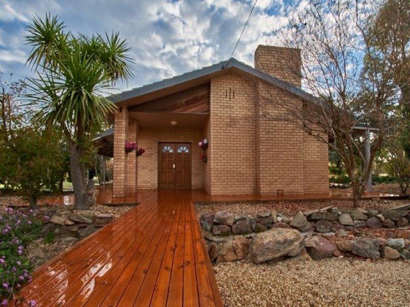 267 Inglewood Road, Lake Albert, NSW 2650