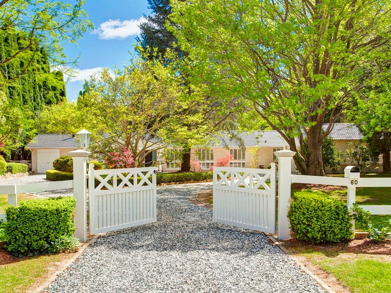 60 Holly Road, Burradoo, NSW 2576