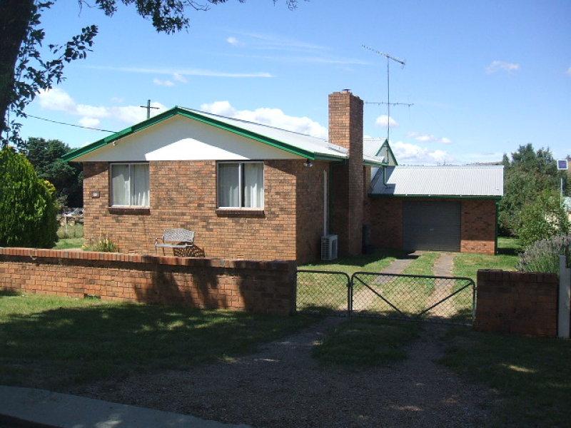 18 York Street, Adaminaby, NSW 2629