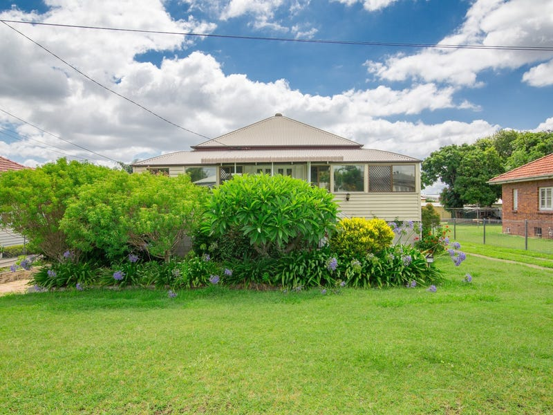 20 Easton Street, Silkstone, Qld 4304