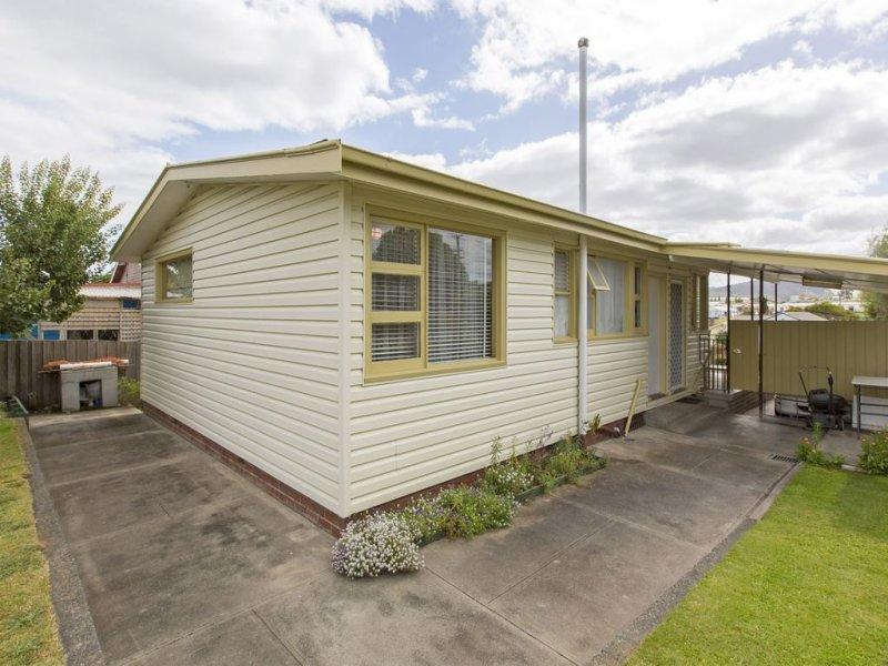 2 Fenwick Crescent, Derwent Park, Tas 7009