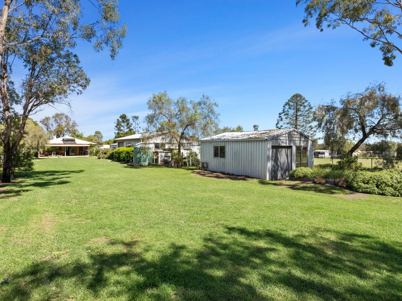3 Peters Street, Goombungee, Qld 4354