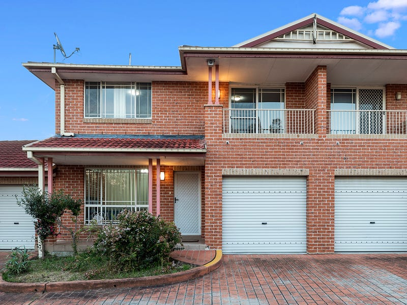 2/10 Peacock Close, Green Valley, NSW 2168