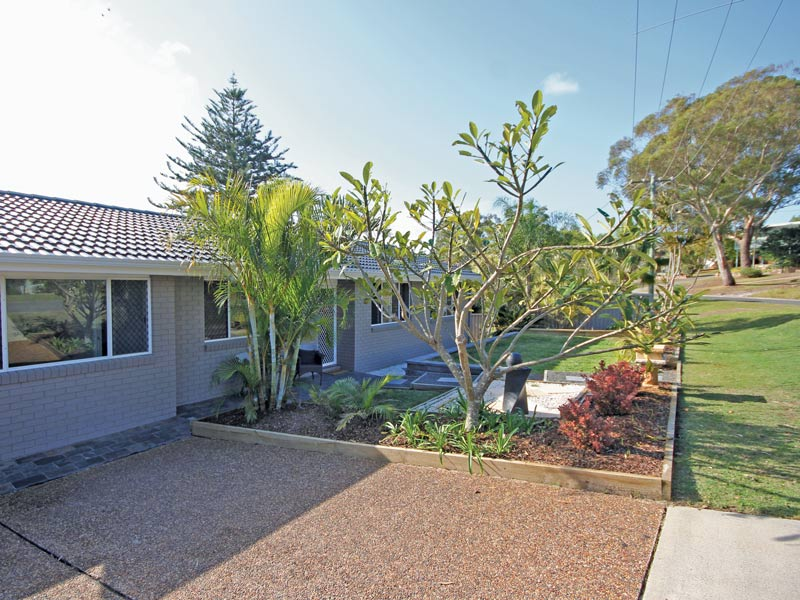 33 Moorooba Crescent, Nelson Bay, NSW 2315