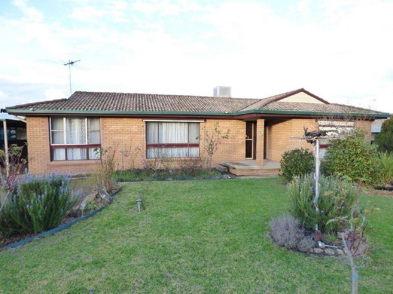 7 Coora Avenue, Cootamundra, NSW 2590