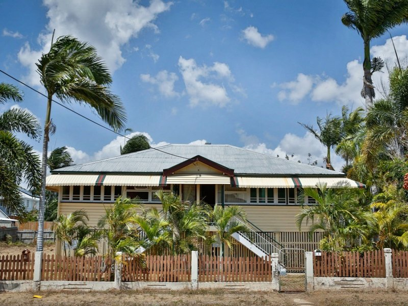 6 Bayswater Terrace, Hyde Park, Qld 4812