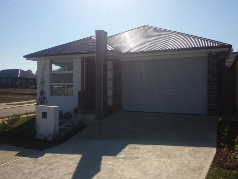 10 Tulloch Road, Gledswood Hills, NSW 2557