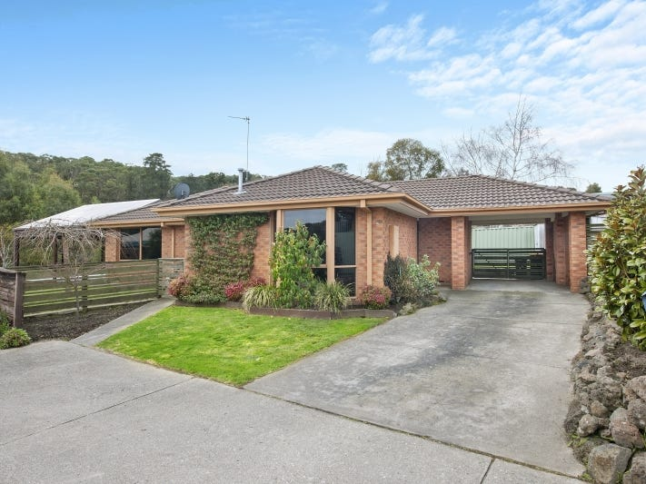 9 Florence Court, Brown Hill, Vic 3350