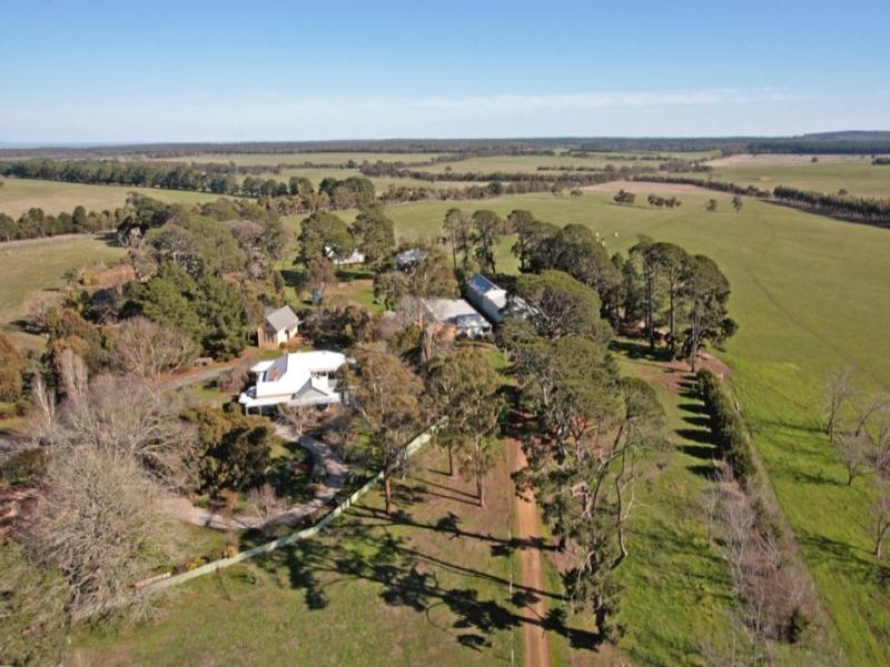 709 Mt Mercer - Dereel Road, Mount Mercer, Vic 3352
