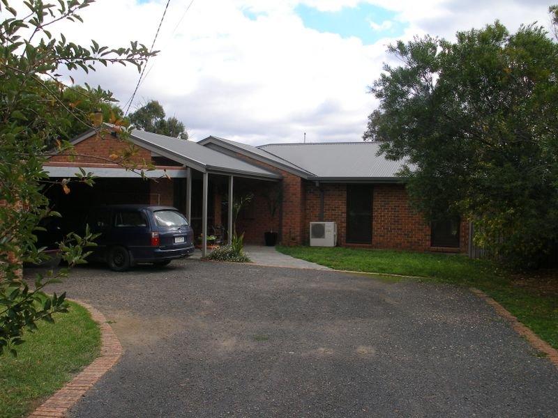 16 Cricket Street, Cowwarr, Vic 3857