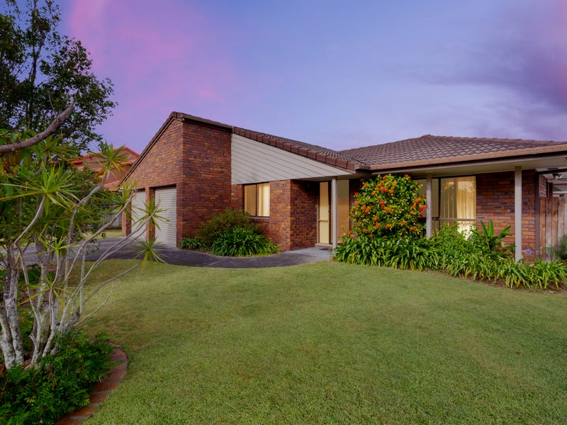 5 Booreeco Court, Carindale, Qld 4152