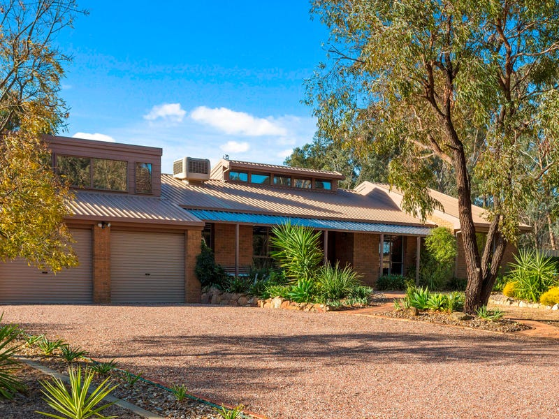 12 Pioneer Drive, Maiden Gully, Vic 3551
