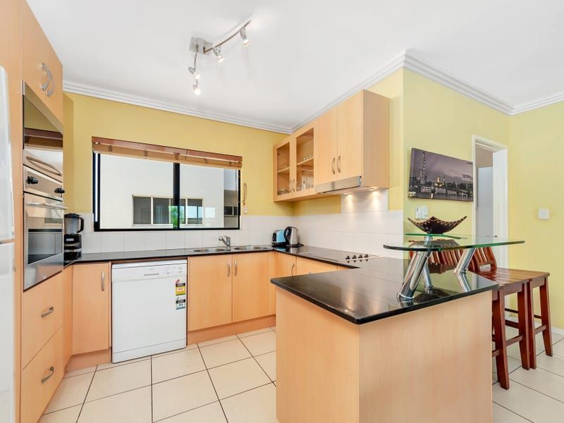 12/77 Spence Street, Cairns City, Qld 4870