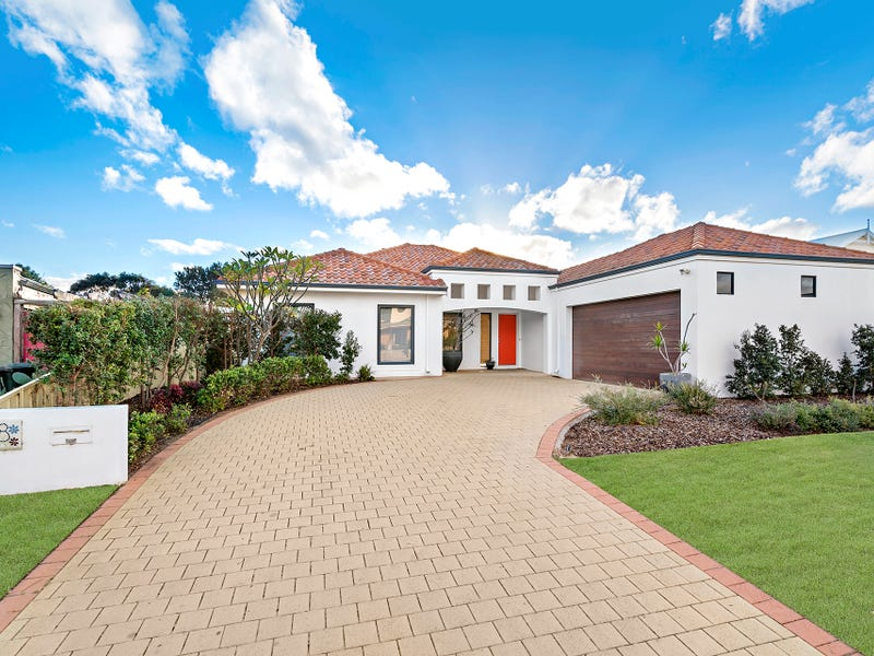 8 St Georges Close, Bluff Point