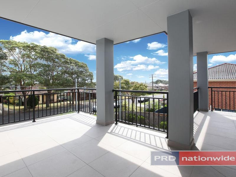 17 Burns Road, Picnic Point, NSW 2213