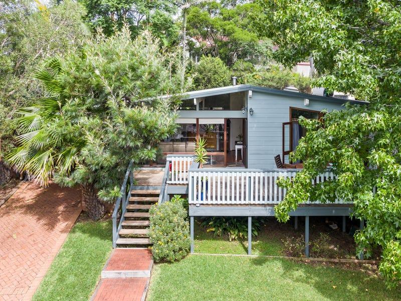 18 Ian Bruce Crescent, Balgownie, NSW 2519
