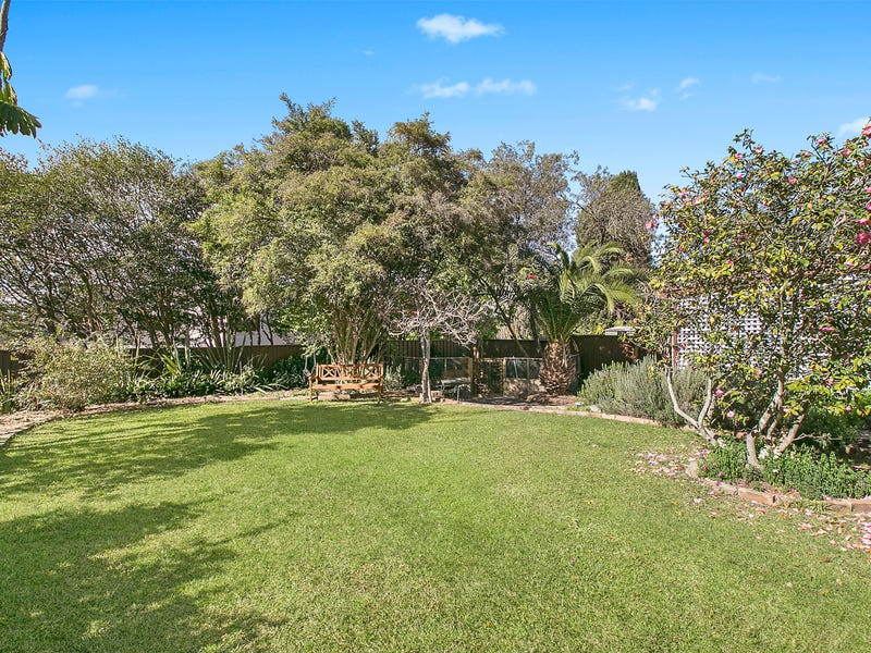 193 Eastern Valley Way, Middle Cove, NSW 2068