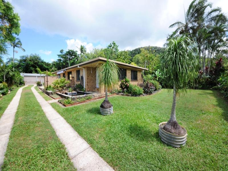 12 Roslyn Road, Mount Julian, Qld 4800