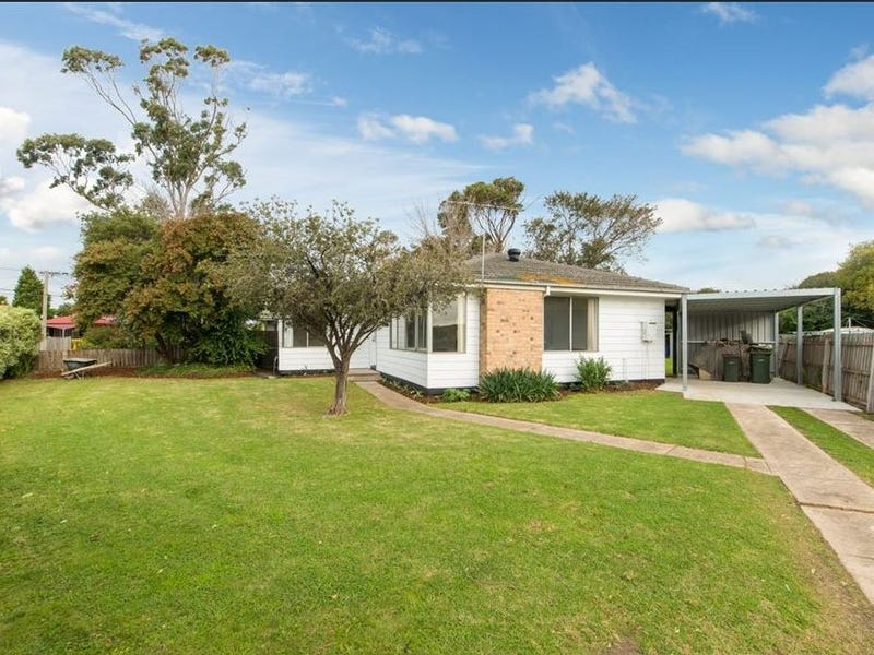 18 Andrew Street, Newcomb, Vic 3219
