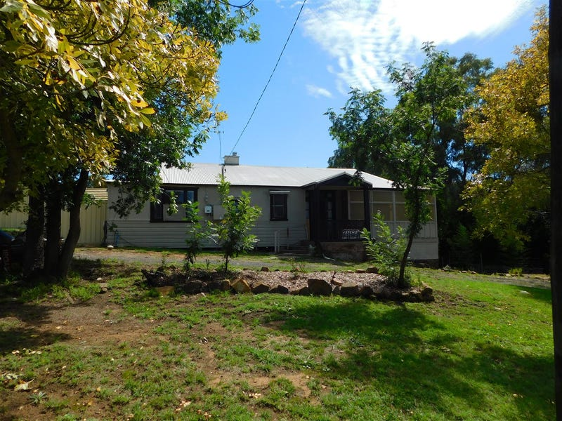 18 Chappell Ave, Coonabarabran, NSW 2357