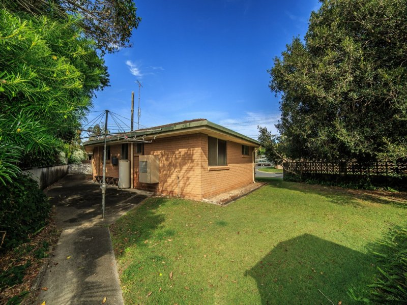 25 Banksia Broadway, Burleigh Heads, Qld 4220