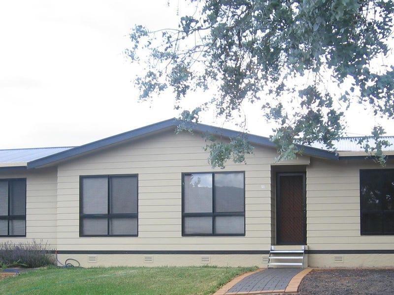17 Banksia Avenue, Kalkite, NSW 2627