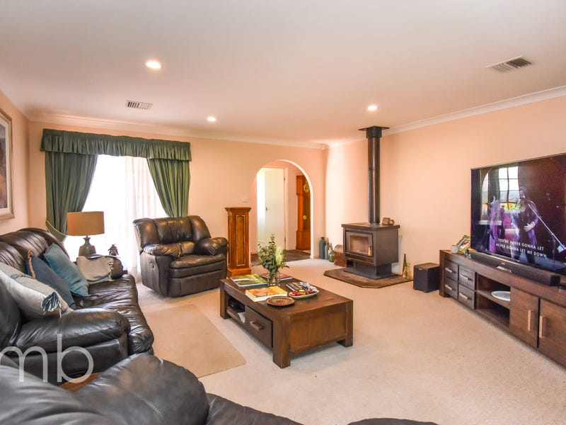 Room 4, 331 Canobolas Road, Canobolas, NSW 2800