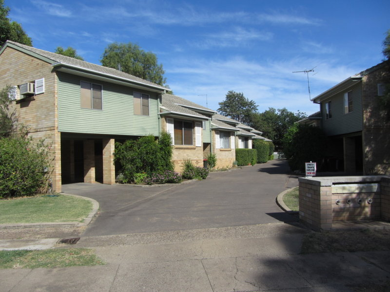 2/15 Balo Street, Moree, NSW 2400